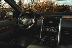 2019 Land Rover Discovery 5 - 7 seater
